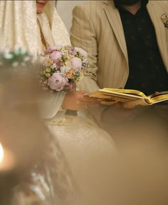 Wedding Photography Contract, Muslim Couple Photography, Civil Wedding Dresses, Wedding Dresses For Girls, Cute Muslim Couples, Cute Couples, Engagement Announcement Photos, Muslimah Wedding, Cute Couple Images