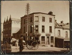 The Clock Hotel on Crown St,Surry Hills,Sydney around the turn of the century.Photo by John Henry Harvey Old Pub, Surry Hills, Old Buildings, Historical Pictures, Back In The Day, Surrey, Past, Arch, Hotels