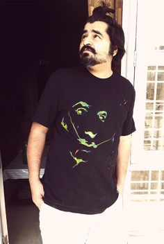My first hand painted tee - SS #Dali  Tee - #SherSingh  Colors - #Pebeo #Acrylic