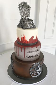 Game of Thrones cake by Oakleaf Cakes Bake Shop Game Of Thrones Torte, Game Of Thrones Birthday Cake, Beautiful Wedding Cakes, Gorgeous Cakes, Cake Simple, Game Of Thrones Dragons, Sculpted Cakes, Cake Games, Engagement Cakes
