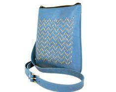 Ručne vyšívaná kabelka z pravej kože v modrej farbe (3) Amazon Echo, Colors