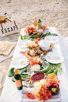 Boho beach picnic ~ Tropical summer vibes – Famous Last Words Beach Picnic, Summer Picnic, Summer Beach, Summer Vibes, Summer Fun, Beach Dinner Parties, Picnic Parties, Beach Party, Summer Parties