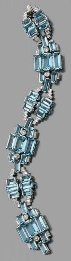 An Art Deco white gold, platinum, aquamarine and diamond bracelet, by Fumanti Roma, circa 1935. #FumantiRoma #ArtDeco #bracelet