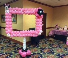 Сreative figures from balloons Minnie Mouse 1st Birthday, Minnie Mouse Theme, Minnie Mouse Baby Shower, Baby Birthday, Birthday Parties, Birthday Ideas, Minnie Mouse Balloons, Balloon Decorations, Birthday Decorations
