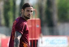 29/03/2012: allenamento | training session: Pablo Daniel Osvaldo giving you the look.