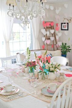 Domestic Fashionista: Vintage & Feminine Valentine's Day Tea Party