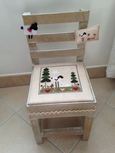 cross stitch chair I love this! Embroidery Applique, Cross Stitch Embroidery, Cross Stitch Designs, Cross Stitch Patterns, Coin Couture, Cross Stitch For Kids, Cross Stitch Finishing, Miniature Crafts, Yarn Thread