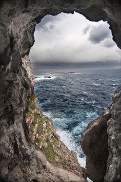 Natural Window by Pidro Cardona