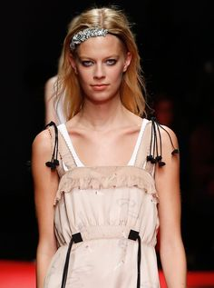 Spring Accessories Trends - Crown Jewels - No. 21