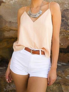 Outfits With Hats, Casual Outfits, Fashion Outfits, Outfits With White Shorts, White Short Outfits, White Shorts Outfit Summer, Casual Shorts Outfit, Sexy Shorts, Summer Shorts