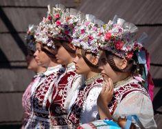 Kroje a tak, Slovakia Crowns of the Traditional Folk Dress Shaman Woman, Bridal Headdress, Beautiful Costumes, Folk Costume, European Countries, Czech Republic, Party, Folklore, Crowns