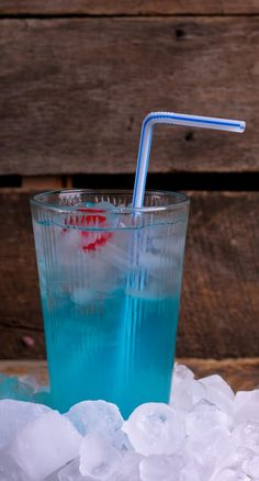 Recipe ● Blue Valium ● simple two-liquor drink