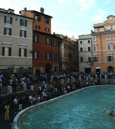 View of the Hotel Fontana Trevi, in front of the fountain