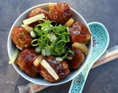 Pork Meatballs with Sweet and Sour Sauce - I used about 1 lb. of ground pork instead of the sausage and I added a little extra soy sauce and some Worcestershire sauce cause I thought the sweet and sour was too tomato-ish. My Favorite Food, Favorite Recipes, Sausage Meatballs, Easy Weekday Meals, Sweet And Sour Meatballs, Sweet Chilli, Food Photo, Slow Cooker Recipes, Cooking