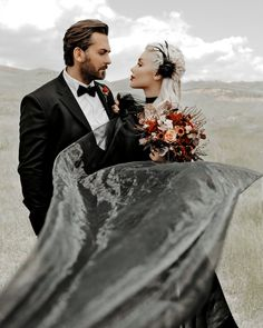 how to be a good girlfriend. how to be a better girlfriend. how to be a clingy girlfriend. how to be a new girlfriend. how to be the best girlfriend in the world. Black Bridesmaid Dresses, Black Wedding Dresses, Floral Wedding, Clingy Girlfriend, Halloween Wedding Dresses, Girl Drama, Pin Up, Alternative Bride, Wedding Planning Tips