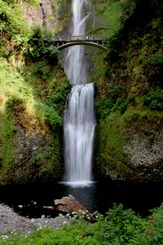 Multnomah Falls, Columbia Gorge Scenic Highway, Oregon  © Marsha K. Russell