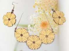 Quiling paper jewelry