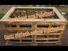 Hochbeet aus Paletten - Ich zeige Dir, wie man ein einfaches Hochbeet baut!#aus #baut #dir #ein #einfaches #hochbeet #ich #man #paletten #wie #zeige Pallet Wood Christmas Tree, Diy Christmas Tree, Palette Beet, Bed Made From Pallets, Floribunda Roses, Hydrangea Care, Types Of Roses, Pallet House, Hydroponic Gardening
