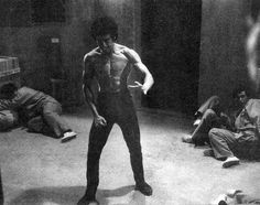 Bruce Lee Master, Bruce Lee Art, Bruce Lee Family, Bruce Lee Quotes, Bruce Lee Children, Bob Marley, Eminem, Martial Arts Movies, Enter The Dragon