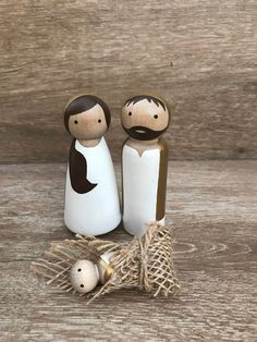 Beautiful, handmade all-white small nativity to match your modern Christmas decor. Also great as toys for your little one. Order includes 3 pieces: Mary Joseph and Baby Jesus Nativity Peg Doll, Diy Nativity, Wood Peg Dolls, Clothespin Dolls, Christmas Nativity, Christmas Crafts, Christmas Decorations, Christmas Ornaments, Nativity Sets