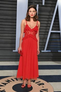Actress Phoebe Tonkin attends the 2018 Vanity Fair Oscar Party hosted by Radhika Jones at Wallis Annenberg Center for the Performing Arts on March 4...