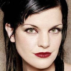 """Love Abby on NCIS❤ Abigail """"Abby"""" Sciuto (portrayed by Pauley Perrette) is a forensic specialist with NCIS. Brilliant scientist with a genius IQ. Ncis Abby, Ncis New, Pauley Perrette Ncis, Pauley Perette, Ncis Stars, Ncis Tv Series, Abby Sciuto, Ncis Cast, Cote De Pablo"""