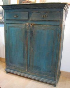 Outstanding jelly cupboard in original robin's egg blue paint, stepped cornice, dentil molding, century, Canadian. Antique Pine Furniture, Blue Furniture, Primitive Furniture, Primitive Antiques, Paint Furniture, Repurposed Furniture, Primitive Country, Southern Furniture, Country Furniture