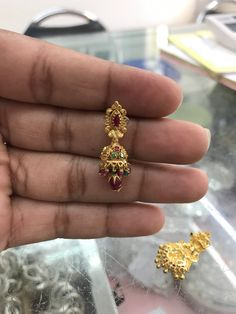 Gold Earrings Designs, Gold Jewellery Design, Necklace Designs, Gold Jewelry Simple, Simple Earrings, Mens Gold Rings, Frock Dress, Antique Earrings, Ear Rings