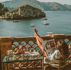 fernweh wanderlust A Californian Home Decorated in Elegant Neutrals :: This Is Glamorous You Are The Sun, Images Esthétiques, European Summer, Foto Pose, Summer Dream, Northern Italy, Travel Aesthetic, Aesthetic Women, Aesthetic Gif