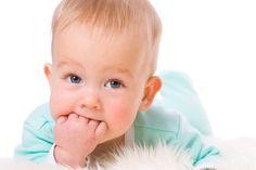 Τα πρώτα δοντάκια του μωρού: συμπτώματα και φροντίδα