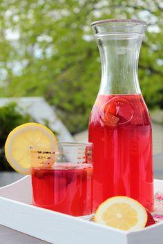 Strawberry Rhubarb Lemonade   http://www.pastryaffair.com/blog/2011/5/29/strawberry-rhubarb-lemonade.html