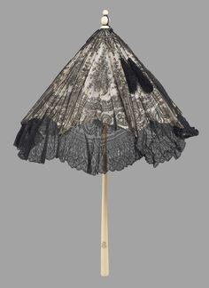 Black lace parasol | Museum of Fine Arts, Boston