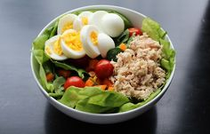 jennallyssa:    Lunch: Boston lettuce & baby spinach with orange bell pepper, baby tomatoes, hard boiled egg and tuna (with a lil mayo and spicy mustard) and extra virgin olive oil as the dressing.  (Please do not remove the source)