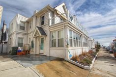 19 S. Avolyn Ave., Ventnor. NJ  |  MLS #462835