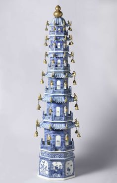 Blue China Pagode, ca. 1765 - ca. Porcelain Ceramics, China Porcelain, Ceramic Art, Blue And White China, Blue China, China China, Scenic Wallpaper, Purple Tulips, Chinoiserie Chic