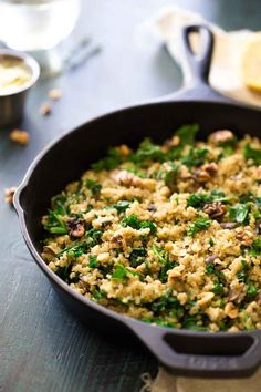 One Skillet Mushroom and Kale Garlic Herb Quinoa - This one pan, weeknight meal is light healthy and will be a HUGE hit with your family! | Foodfaithfitness.com | #recipe