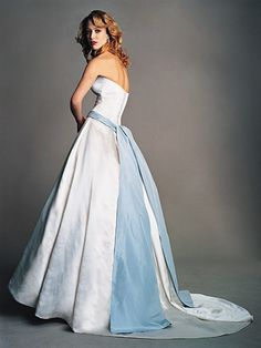 Vestido de novia de color azul - Amsale