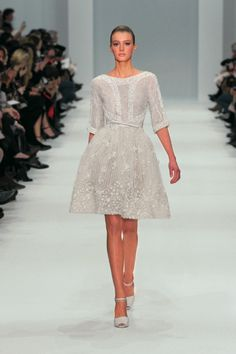 ELIE SAAB Haute Couture Spring Summer 2012 - LOVE the top half. Those sleeves and neckline are a perfect combo.