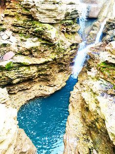 Things To Do in the Ozarks Mountains Table Rock Lake and Branson Missouri Venus Trapped in Mars Dallas Vacation Places, Dream Vacations, Vacation Spots, Places To Travel, Lake Vacations, Vacation Ideas, Branson Attractions, Dogwood Canyon, Branson Vacation