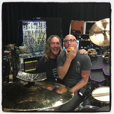 Maynard James Keenan Posts Pic to Prove He Doesn't Hate Tool Pop Website, Band Website, Tool Artwork, Danny Carey, James Herbert, Maynard James Keenan, Tool Band, Idol, A Perfect Circle