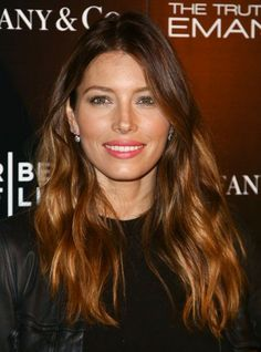 Jessica Biel: 'The Truth About Emanuel' Hollywood Premiere!: Photo Jessica Biel bares her midriff while attending the premiere of her latest flick The Truth About Emanuel held at ArcLight on Wednesday (December in Hollywood. Color Chocolate Claro, Cabello Color Chocolate, Jessica Biel, Spring Hairstyles, Hairstyles For Round Faces, Cool Hairstyles, Hair Color Dark, Dark Hair, Hair Colour