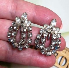 VINTAGE SILVER TONE DOUBLE LOOPED RHINESTONE DANGLE SCREW ON EARRINGS  043