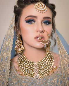 Light Blue Metallic eye makeup for the wedding. makeup indian 13 Eye Makeup Colors that are Perfect for a Peppy Summer Bride Bridal Makeup Images, Bridal Eye Makeup, Bridal Makeup Looks, Bride Makeup, Bridal Beauty, Wedding Beauty, Pakistani Bridal Makeup, Indian Wedding Makeup, Indian Bridal Fashion