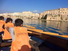 Il Palio di Taranto è una regata in barca a remi disputata da dieci equipaggi formati da due vogatori in rappresentanza dei dieci storici rioni cittadini