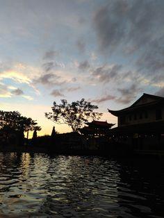 #Beautiful afternoon at Friendship Park in #kuching #malaysia #beautiful #borneo #temple #sky #temple #paek
