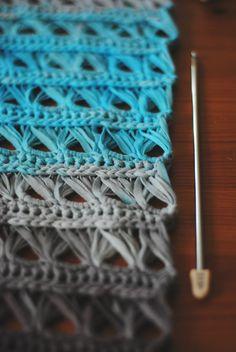 Cotton crochet infinity scarf tutorial                                                                                                                                                                                 Mais