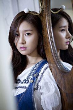 """[스타인터뷰] 김소은 """"달콤살벌한 귀신 보여줄께요"""" Kim So Eun, Kim Ji Won, Korean Beauty, Asian Beauty, Stunningly Beautiful, Beautiful Women, Korean Girl, Asian Girl, Prety Girl"""