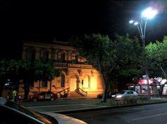 Brasil. PE, Caruaru. Palácio Episcopal. Av Rio Branco. Centro. Ago2014-noite. Foto: Érica Melo.