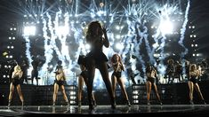 Without this production designer Beyoncé might be invisible Expert Witness: Without this production designer Beyoncé might be invisible        In   Expert Witness    The A.V. Club  talks to industry insiders about the actual business of entertainment in hopes of shedding some light on how the pop-culture sausage gets made.   Big tours are understandably big productions. Taylor Swift might be on stage singing but shes got dozens if not hundreds of people working to put that show on each night…