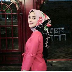#hijab #fashion #beautiful #girl #woman #love #wallpaper #outfit #style #sweety #niqab #hijaber Muslim Brides, Niqab, Hijab Fashion, Woman, Wallpaper, Outfits, Beautiful, Instagram, Style